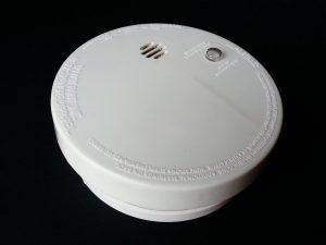 battery powered smoke alarm fitting